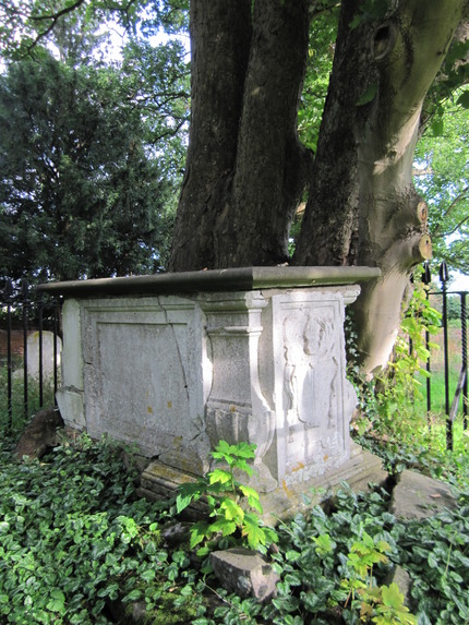 Lady Anne Grimston's Grave